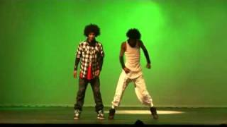 Lez Twins Dancing