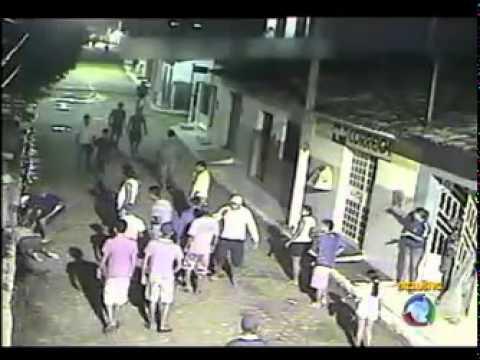 Câmera flagra momento da execução de um vereador