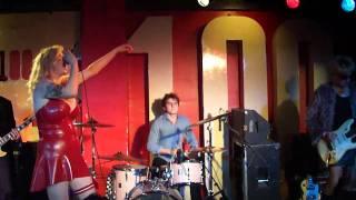 Kiria-Live Sex On Stage