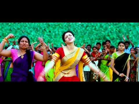 Kajal Hot Navel Show From Veera 2