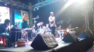 Deva Tujhya Gabharyala - Swapnil Pawar Live at PUNE.