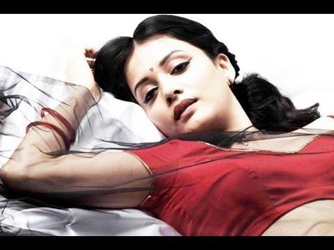 Southern Actress Savitri Hot Bed Poses