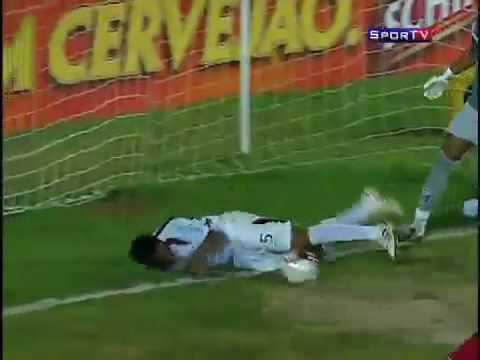 Jugador de futbol decapitado por salvar autogol BRASIL