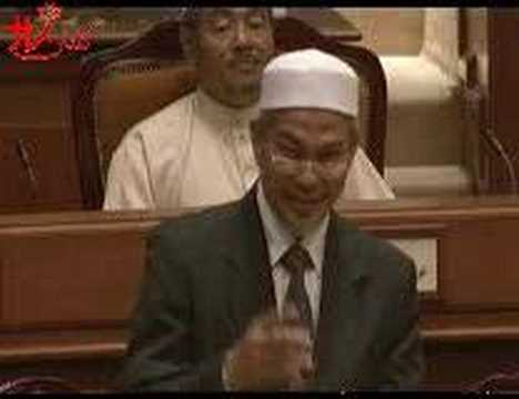 Aksi Panas ADUN UMNO Bertumbuk