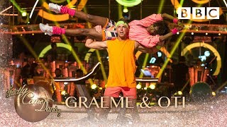 Graeme Swann & Oti Mabuse Salsa to 'Follow The Leader' by Soca Boys - BBC Strictly 2018