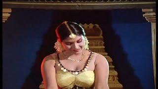 Sri Priya Hot Dance || Beladingala Holeyali || Karune Illada Kanoonu || Kannada
