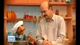 Kolah ghermezi va famile door آشپزی فامیل دور.flv