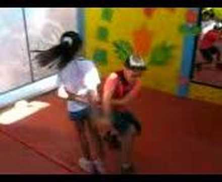 niños bailando cumbia texana