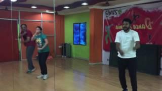 Tung Lak song dance