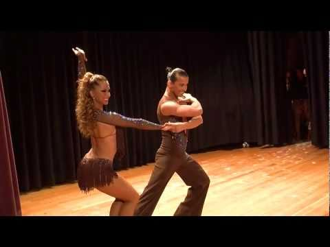 Adrian y Anita champion world salsa open 09 11 14 Show 2010 Latin Festival 2010 official