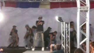 Grupo Black Soul Dance Company - Fabiano Costa cantando.