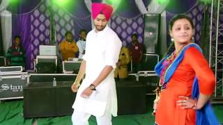 BEST BHANGRA 2016 | Punjabi Couple On Dance Floor