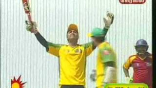 simbu in star cricket placing a six