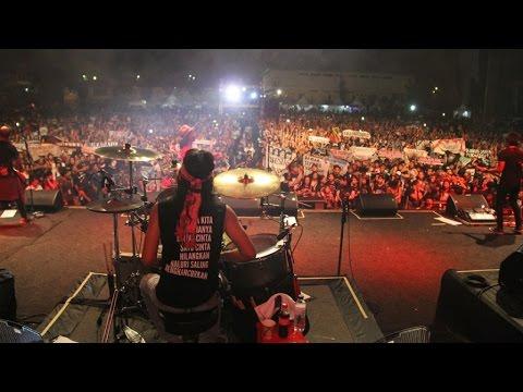 Pulau Biru (Live Performance)