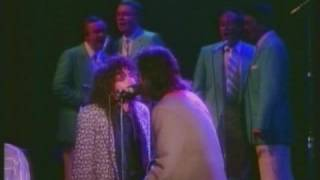 Rosanne Cash & Rodney Crowell - No Memories Hangin' Round