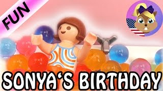 PLAYMOBIL STORIES / Sonya's Birthday! - A special bath for the birthday girl!