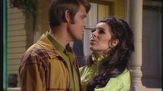 Glen Campbell & Bobbie Gentry - Good Times Again (2007) - Let it be Me (19 March 1969) w/intro