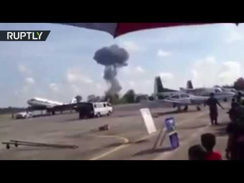 watch Moment fighter jet crashes at Children's Day airshow in Thailand