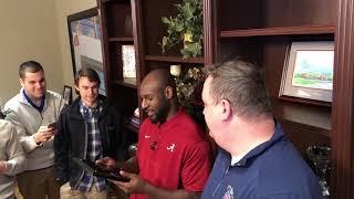 Rashaan Evans surprised by Alabama Media Good Guy Award