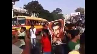 surya fans mass celebration after watching singam 2 .in trivandrum sreekumar theatre..