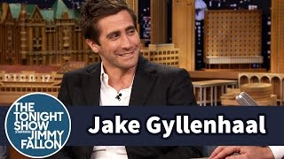 Jake Gyllenhaal Critiques His Sister's Performances