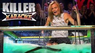 Killer karaoke - Livredd blondine synger