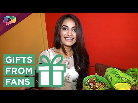 Surbhi Jyoti Receives Gifts From Her Fans   Exclusive   Gift Segment