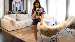 Kylie Jenner Is Struggling To Sell Her UNIQUE