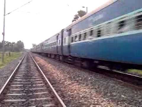 Xxx Mp4 15708 Amrapali Exp Going Towards Samastipur 3gp Sex