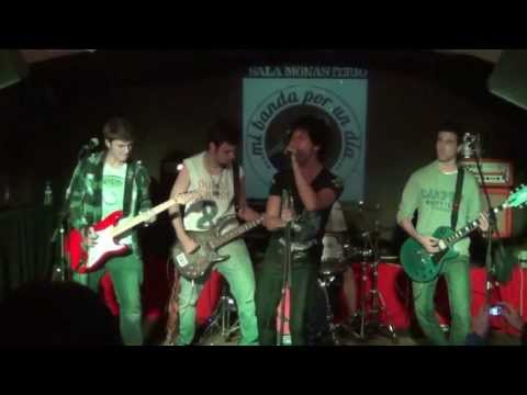 Hot Belt - Breaking The Law & Fly Away (Live in Sala Monasterio, 2012)