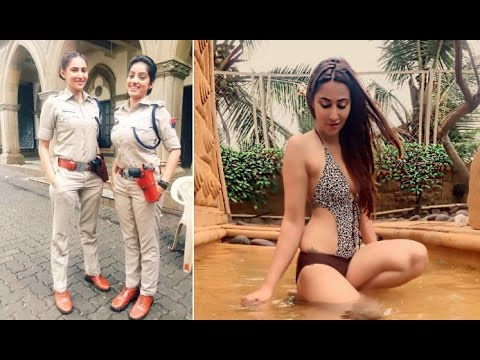 Xxx Mp4 Diya Aur Baati Hum Actress Rishina Kandhari Sandhya Sheds Police Uniform Looks Super Sexy In Bikini 3gp Sex