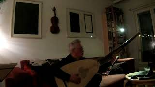 Touching the theorbo strings in Follia ways