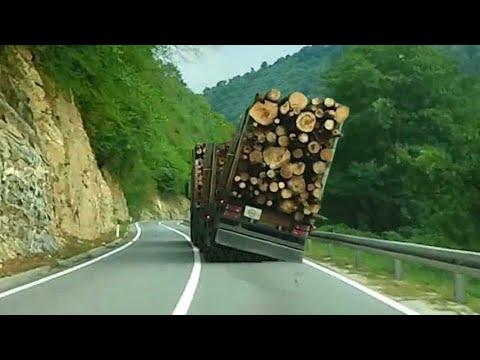 Zamalo prevrtanje pretovarenog kamiona The overloaded high speed truck in Bosnia