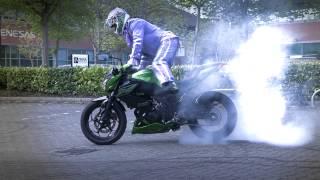Kawasaki Z300 Extreme Stunt Parking With Bellboy Bowers!