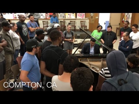 Xxx Mp4 Classical Pianist Performs Dr Dre Mashup In Compton 3gp Sex