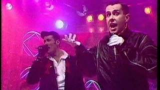 Frankie Goes To Hollywood - Relax. Top Of The Pops 1984