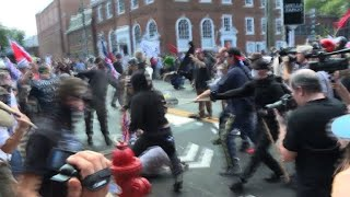 Violent clashes break out at far-right rally in Virginia