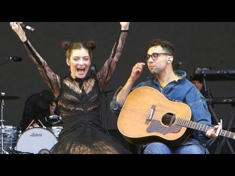 Lorde - Me and Julio Down by the Schoolyard (w Jack Antonoff) – Outside Lands 2017, San Francisco