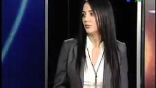 مینا لاکانی بازیگر ایرانی از کشور خارج شد