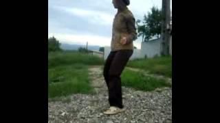 Dansatoarea Iulia!! cea mai taree