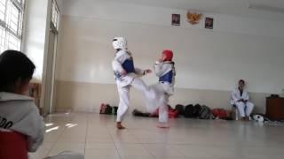 High-school Taekwondo fighting #Girl 2