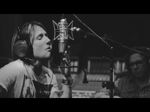 Download Keith Urban - Behind the Scenes: Blue Ain't Your Color