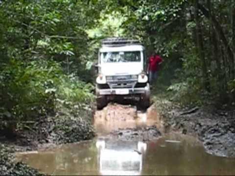Trilha do entra e sai 4x4 Jeep Toyota Engesa Pajero Jipe Troller