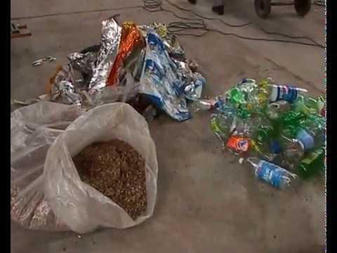 Ladrillos Reciclados de Pet y Techos Cascara de maní CEVE. En Obras 06 02 10