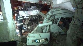 Freni Patlayan İşçi Servisi Eve Çarptı: 4 Ölü 2 Yaralı