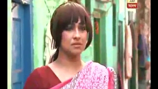Is Actress Rituparna Sengupta in search of the hidden face of the city Kolkata? Watch