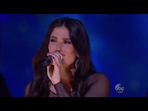 Idina Menzel Performs 'Let It Go'