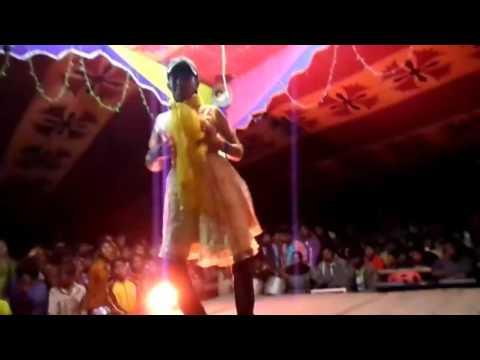 বাংলাদেশী স্কুল ছাত্রীর নাচ Bangladeshi School Girl Dance in a Village Program with hindi song