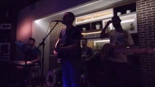 Ενα (Μελισσες) Live -Giorgos Kagiatos (The Orb Bar)