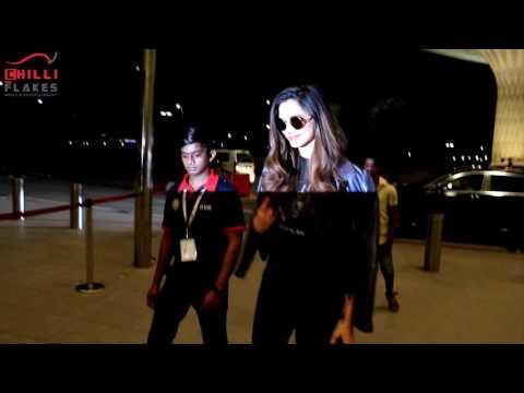 Xxx Mp4 Deepika Padukone With Ranveer Singh Hrithik Roshan Spotted On International Airport 3gp Sex